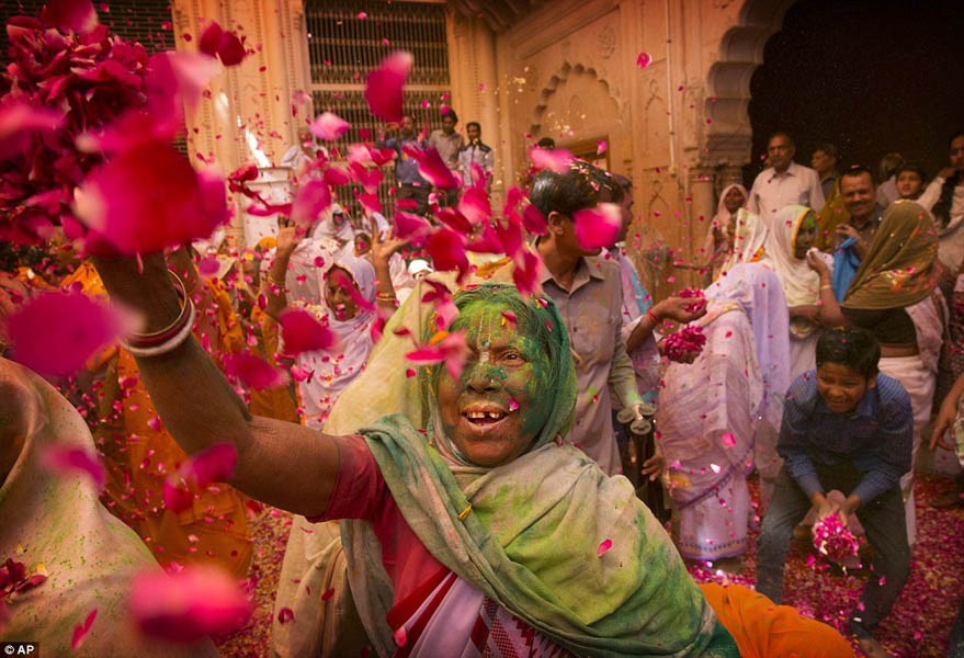 Widow's Holi at Vrindavan